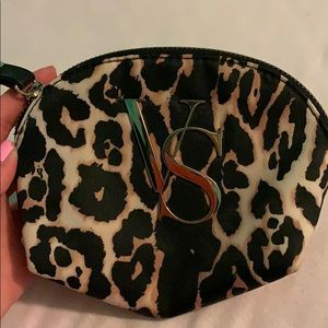 Small cosmetic bag/coin purse